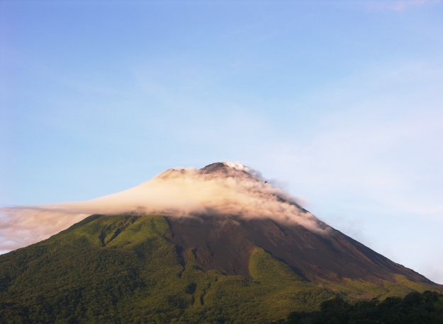 Visit the beautiful Arenal Volcano
