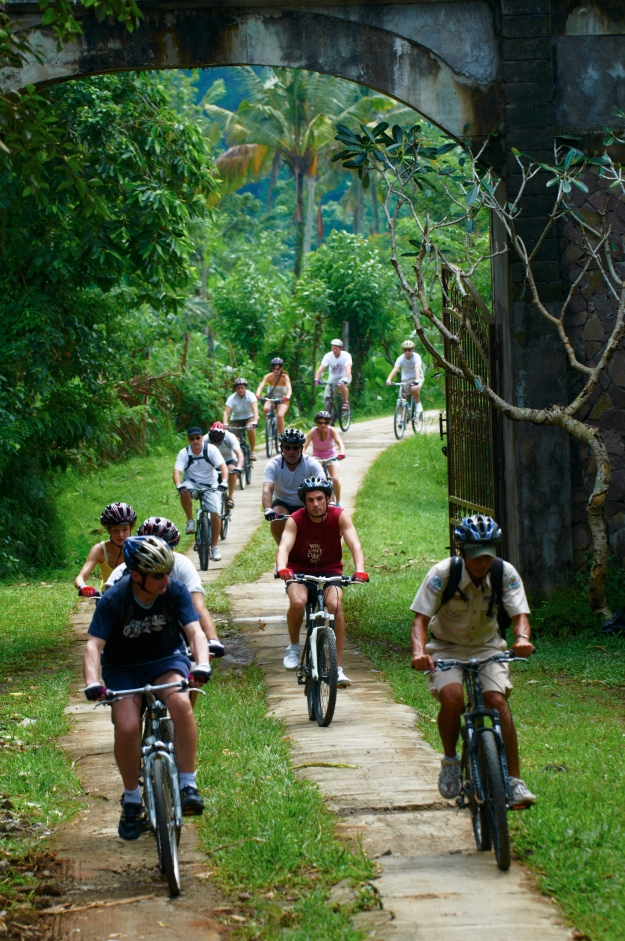 Explore the small streets and countryside on a bicycle